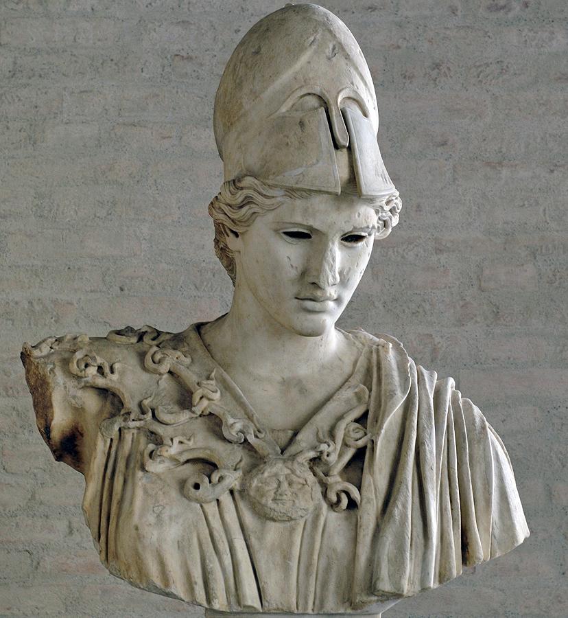 Афина - богиня войны.