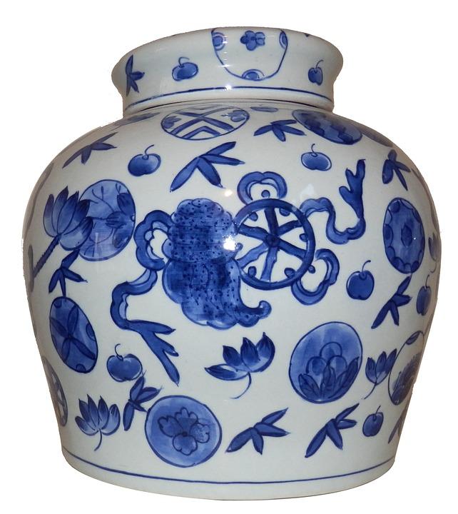 Китайская ваза из фарфора