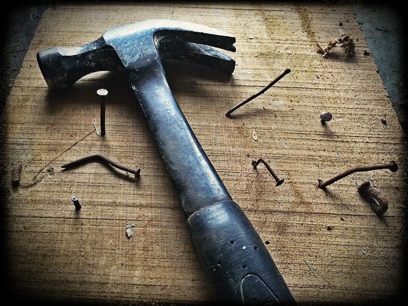 История молотка. Молоток для забивания гвоздей.