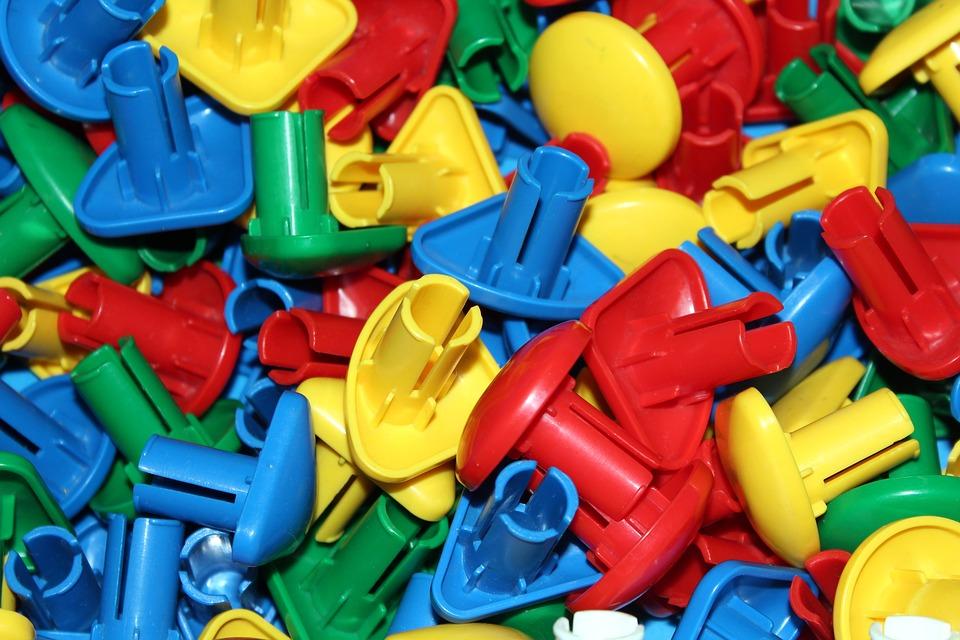История пластмассы. Применение.