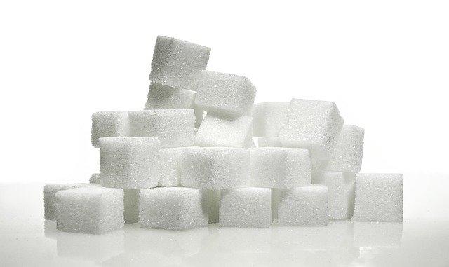 История сахара. Получали из сахарного тростника и свёклы.