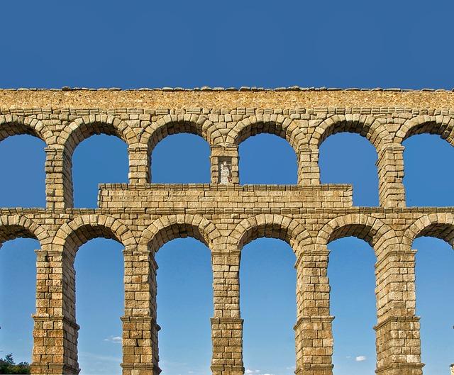 Римский акведук - Сеговия, Испания